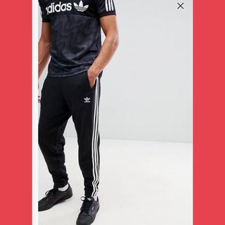 アディダス(adidas)のAdidas Originals 黒 CW2981 新品 Lトラックパンツ(その他)