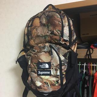 シュプリーム(Supreme)のSupreme× the north face backpack 枯葉(バッグパック/リュック)