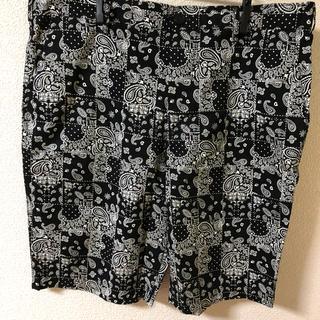 ジーユー(GU)のGU ペイズリー柄ハーフパンツ 黒 XL(ショートパンツ)