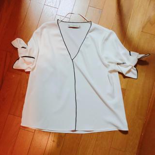 ザラ(ZARA)のZARA BASIC 半袖リボンブラウス(シャツ/ブラウス(半袖/袖なし))