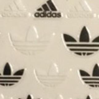 アディダス(adidas)の貼るだけ!即発送可能!即購入ok!ネイル、デコにも(iPhoneケース)