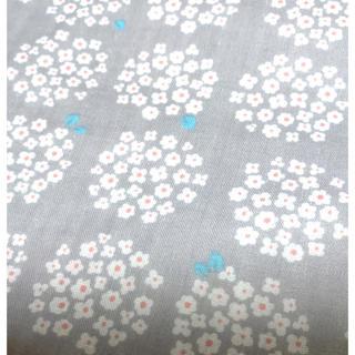 小花ブーケ コットン ダブルガーゼ生地 コットン100% グレー(生地/糸)