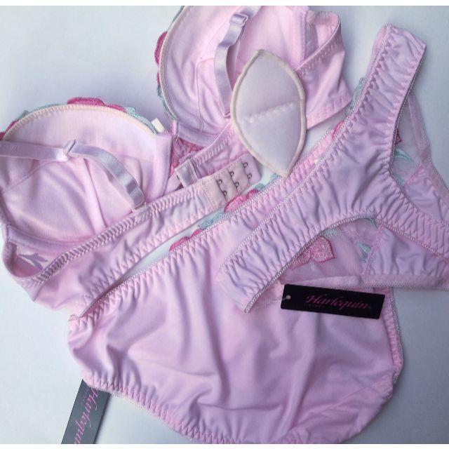 お値下げ!LサイズTバック付☆E80L♡刺繍ピンク♪ブラ&ショーツ 大きいサイズ レディースの下着/アンダーウェア(ブラ&ショーツセット)の商品写真