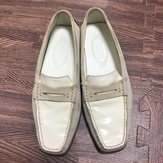 トッズ(TOD'S)のTOD'S ドライビングシューズ(ローファー/革靴)