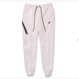 ナイキ(NIKE)の新品未使用 ナイキ テック フリース ジョガー パンツ ピンク Lサイズ(その他)