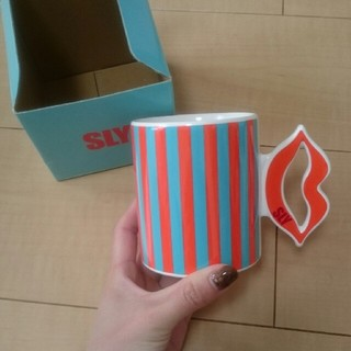 スライ(SLY)のSLY ノベルティ マグカップ☆(グラス/カップ)