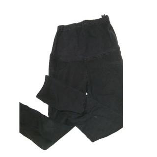 ユニクロ(UNIQLO)のユニクロ 黒マタニティスキニーパンツ M(マタニティウェア)