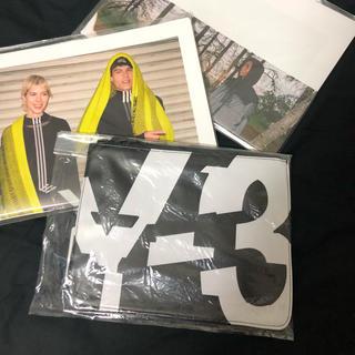 ワイスリー(Y-3)の☆激レア☆ Y-3 非売品 ノベルティ ポーチ(セカンドバッグ/クラッチバッグ)