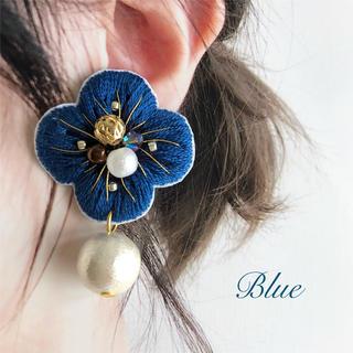 刺繍お花ピアス イヤリング(ピアス)