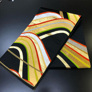 正絹。袋帯。ゴールド、赤、シルバー、グリーンの線の柄の帯(帯)