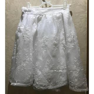 ワンアフターアナザーナイスクラップ(one after another NICE CLAUP)の白 花柄スカート ナイスクラップ(ミニスカート)