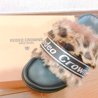ロデオクラウンズワイドボウル(RODEO CROWNS WIDE BOWL)のRODEO CROWNS WIDE  BOWL ファーサンダル ヒョウ柄(サンダル)