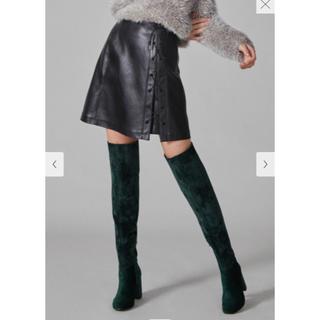 スナイデル(snidel)のフェイクレザーレースアップスカート 定価12960円(ミニスカート)