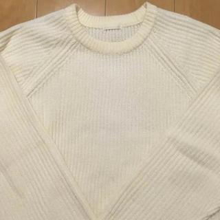 ジーユー(GU)のGU ラグラン クルーネック ニット セーター ホワイト【再出品】(ニット/セーター)