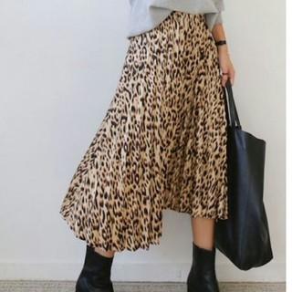 ザラ(ZARA)の~新品 レオパード プリーツスカート ~ヒョウ柄(ロングスカート)