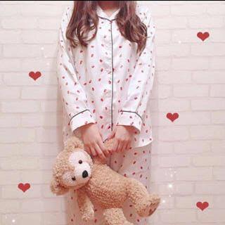 GU - GU♡サテンイチゴパジャマ♡Mサイズ♡新品未使用