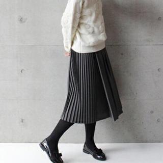 エボニーアイボリー(Ebonyivory)のプリーツスカート(ひざ丈スカート)
