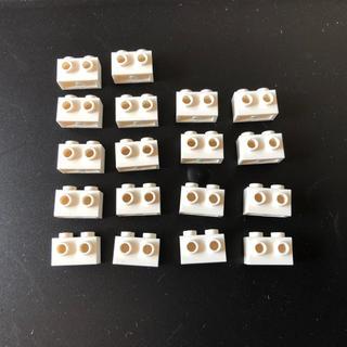 レゴ(Lego)のレゴ 1×2 側面スタッド(1面)ブロック ホワイト 18個(積み木/ブロック)