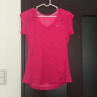 ナイキ(NIKE)のNIKE トレーニング Tシャツ ピンク(Tシャツ(半袖/袖なし))
