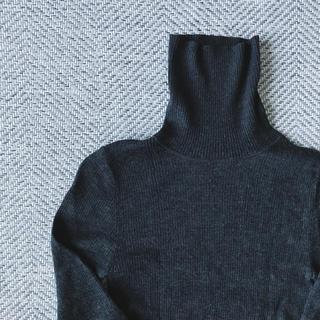 ムジルシリョウヒン(MUJI (無印良品))の無印良品 タートルネックニット グレー(ニット/セーター)