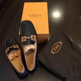 トッズ(TOD'S)のTOD'S  レディースドライビングシューズ(ローファー/革靴)