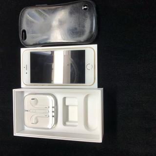 アップル(Apple)のアイフォン6 64GBゴールドau(スマートフォン本体)
