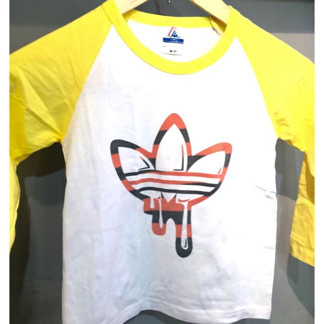 adidas(アディダス)の【キッズ】【新品】【100サイズ】【ロンT】【★人気の三つ葉マーク★】 キッズ/ベビー/マタニティのキッズ服 男の子用(90cm~)(Tシャツ/カットソー)の商品写真