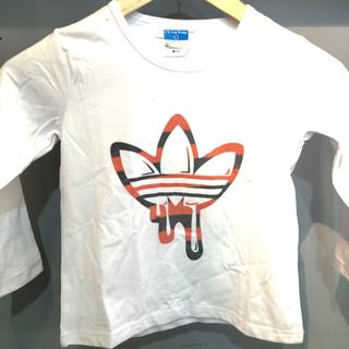 アディダス(adidas)の【キッズ】【新品】【100サイズ】【ロンT】【★人気の三つ葉マーク★】(Tシャツ/カットソー)