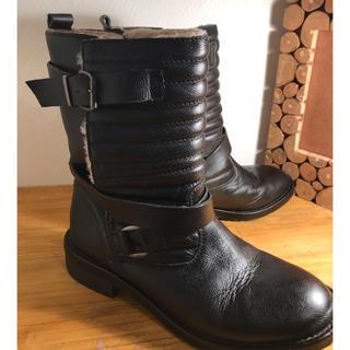 ザラ(ZARA)のZARA 本革 内側ボア ムートンブーツ かっこかわいい系(ブーツ)