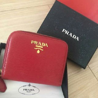 プラダ(PRADA)のプラダ 赤♡ミニ財布(財布)