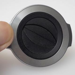 オリンパス(OLYMPUS)の自動開閉式レンズキャップ LC-37C SLV シルバー(レンズ(ズーム))