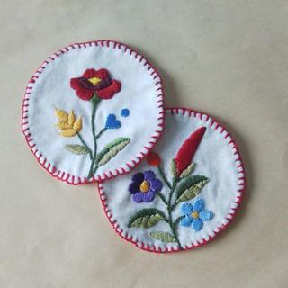 フェリシモのキットで作ったカロチャ刺繍のドイリー(その他)