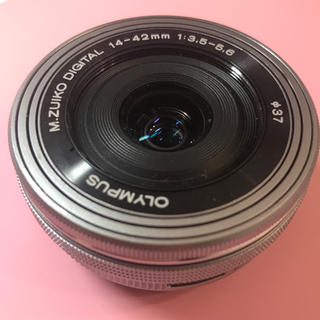 オリンパス(OLYMPUS)のM.ZUIKO DIGITAL ED14-42mmF3.5-5.6 EZシルバー(レンズ(ズーム))