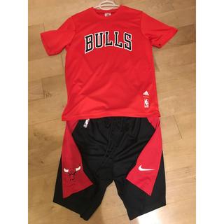ナイキ(NIKE)の☺︎新品☺︎Chicago Bullsバスパン & 中古BULLS Tシャツ(バスケットボール)