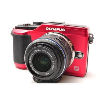 オリンパス(OLYMPUS)の❤️かわいい深紅カラー♪WiFi対応❤️オリンパス E-PL2 レンズキット(ミラーレス一眼)