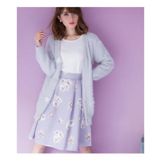 トッコ(tocco)の可憐なフラワープリントで美人顔ふんわりタックグログランスカート (ひざ丈スカート)
