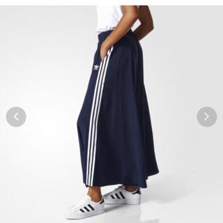 アディダス(adidas)のadidas スカート(ロングスカート)