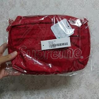 シュプリーム(Supreme)のSupreme ショルダーバッグ red(ショルダーバッグ)