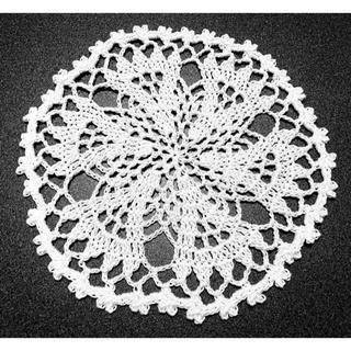 ハンドメイド レース編み 可愛いドイリー 16㎝ 白 ⑤(雑貨)