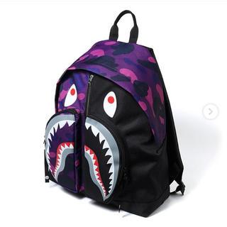 アベイシングエイプ(A BATHING APE)のCOLOR CAMO SHARK DAY PACK 紫(バッグパック/リュック)