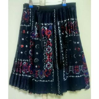 サカイ(sacai)の新品未使用 sacai 2017AW ベルベット刺繍 ペイズリープリーツスカート(ひざ丈スカート)
