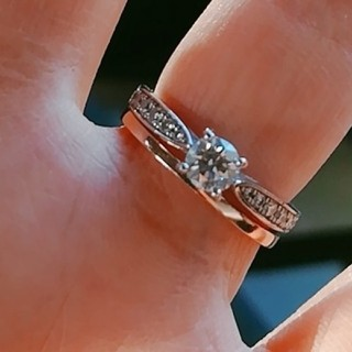 ヨンドシー(4℃)のプラチナダイヤモンド婚約指輪(リング(指輪))