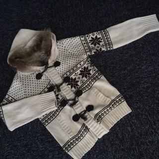 シマムラ(しまむら)のラクーンファー カウチン フード付き ニットカーディガン 雪の結晶柄(ニット/セーター)