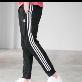 adidas - adidas トラックパンツ メンズM