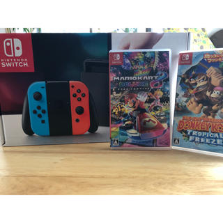 ニンテンドースイッチ(Nintendo Switch)のニンテンドーSwitch本体、マリオカート、ドンキーコングセット(家庭用ゲーム本体)