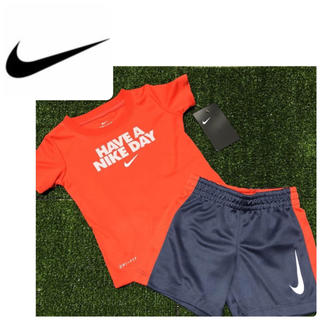 ナイキ(NIKE)のナイキ スウィッシュ 快適速乾Tシャツ ロゴ 上下セット 子供服 18ヶ月(Tシャツ)