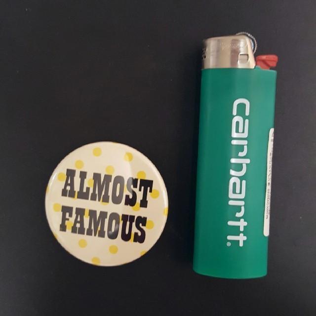 MEDICOM TOY(メディコムトイ)の缶バッジ ベアブリック hf 1000% BE@RBRICK KAWS エンタメ/ホビーのフィギュア(その他)の商品写真