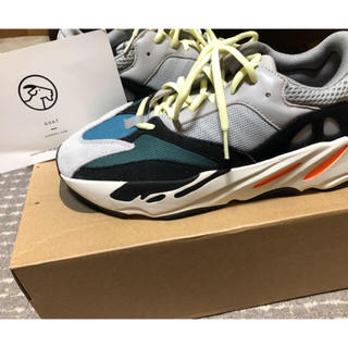 adidas - yeezy wave runner 700