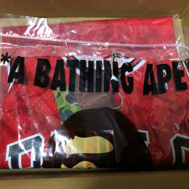 A BATHING APE(アベイシングエイプ)のBAPE MITCHELL&NESS BULLS JERSEY TANKTOP メンズのトップス(タンクトップ)の商品写真