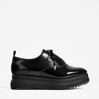 ザラ(ZARA)のシューズ(ローファー/革靴)